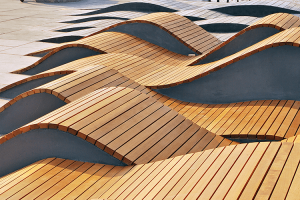 W jaki sposób chronić zewnętrzne powierzchnie wykonane z drewna i zapewnić im wieloletnią trwałość?